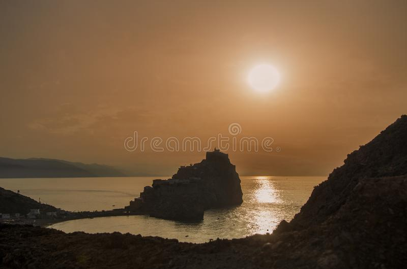 zonsondergang van het badéskasteel, Alhoceima - Marokko stock foto's