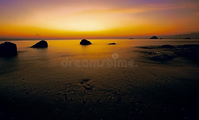 Zonsondergang van het Eiland van Pulau Perhentian Kecil stock foto's