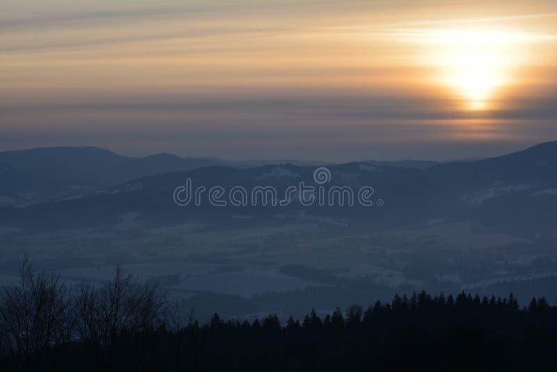 Zonsondergang van hoogten stock afbeelding