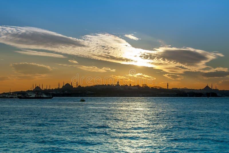 Zonsondergang van Istanboel royalty-vrije stock afbeeldingen