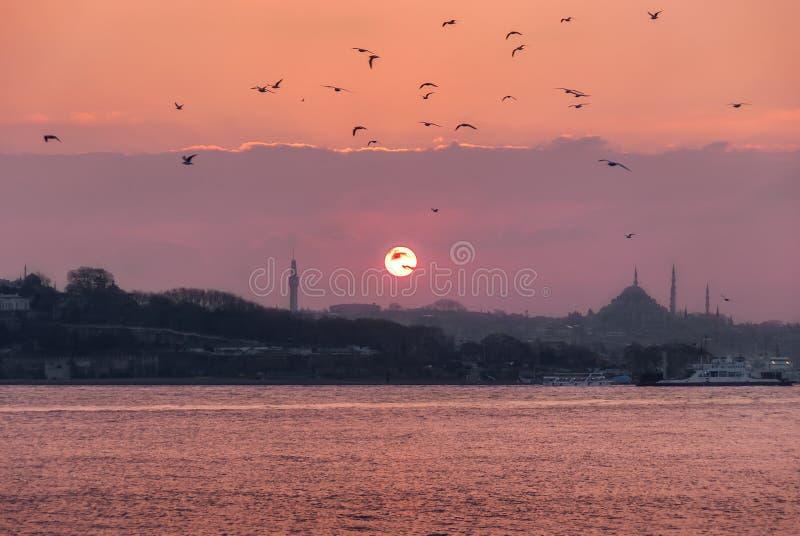 Zonsondergang van Istanboel stock afbeelding