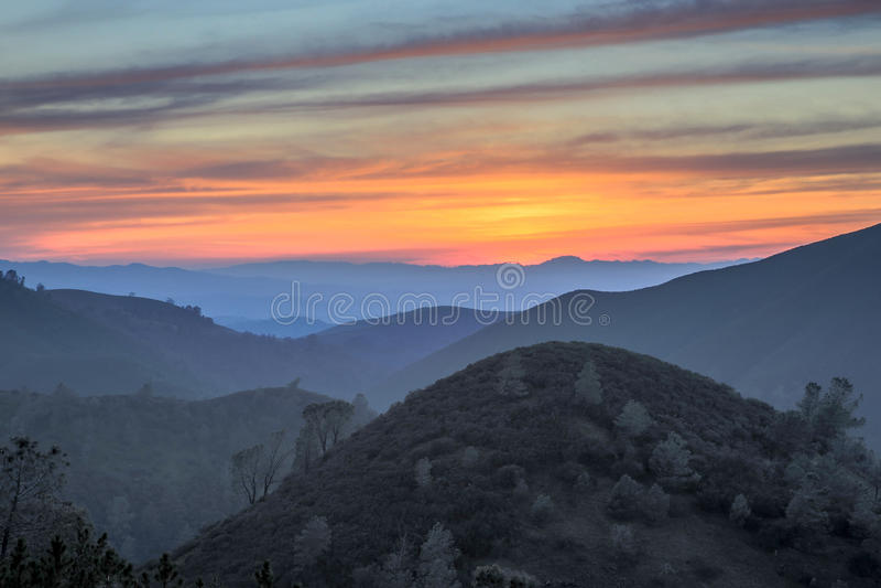 Zonsondergang van rollende heuvels MT Diablo State Park, Californië royalty-vrije stock afbeelding