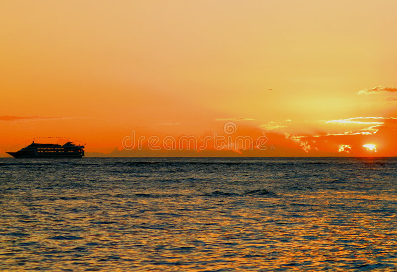 Zonsondergang in Waikiki royalty-vrije stock afbeeldingen
