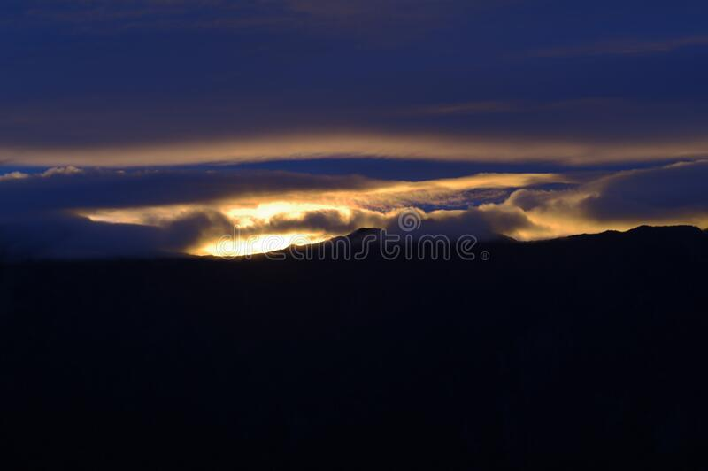 Zonsondergang In Wolken Gratis Openbaar Domein Cc0 Beeld
