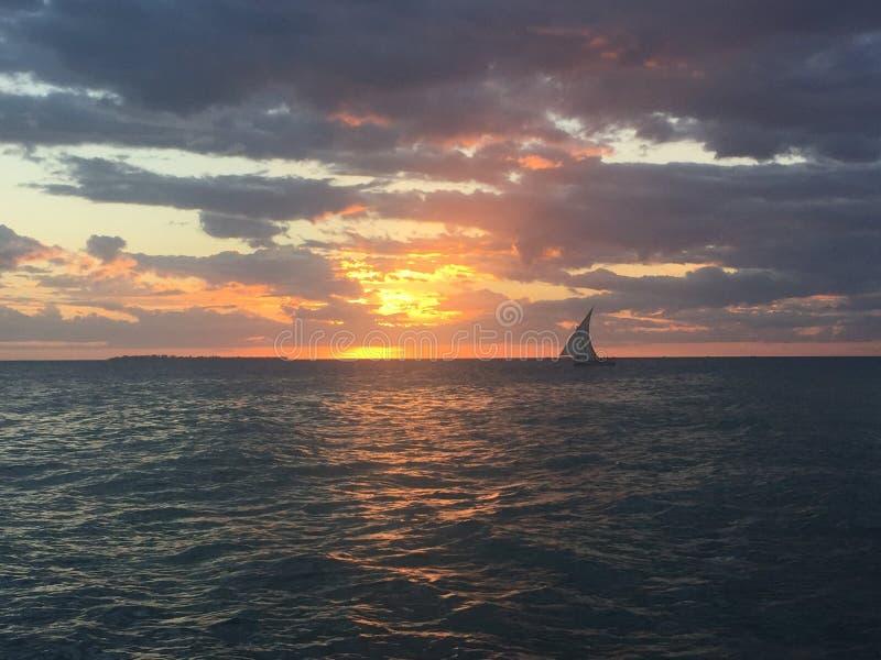 Zonsondergang in Zanzibar stock afbeelding