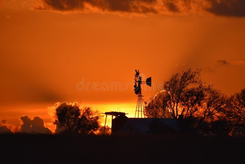 Zonsondergangbrand in Fort Worth stock afbeelding