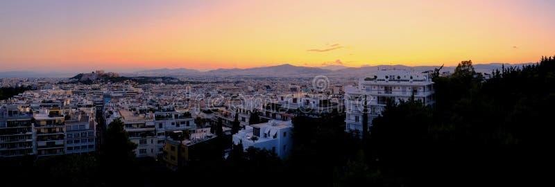 Zonsondergangcityscape Panorama van Athene, Griekenland stock afbeeldingen