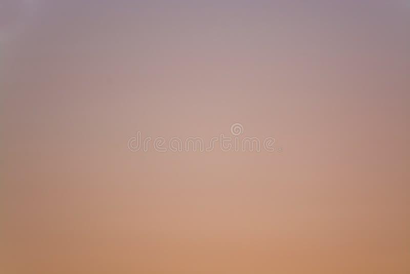 Zonsonderganglandschap stock afbeeldingen