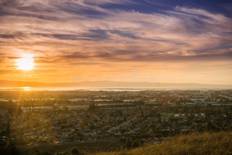 Zonsondergangmening van de Stad van Hayward en Unie stock foto