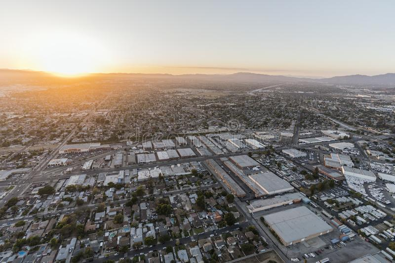 Zonsondergangsatellietbeeld naar Lankershim Blvd in Los Angeles stock foto's