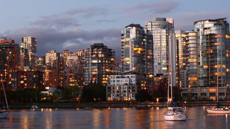 Zonsondergangscène de stadscentrum van van Vancouver, Canada royalty-vrije stock fotografie