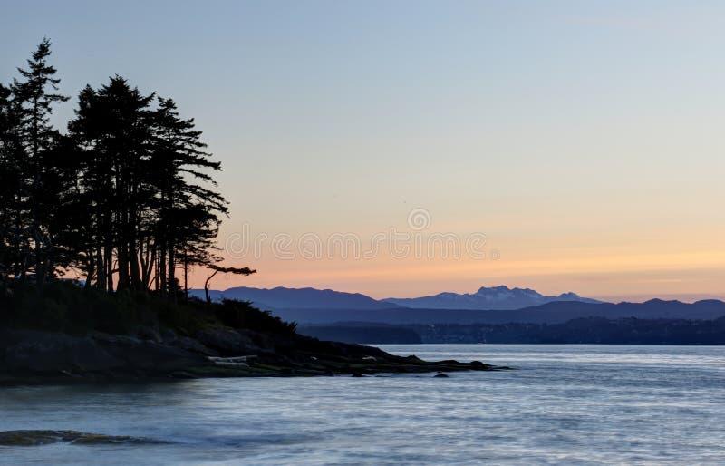 Zonsondergangsilhouet op Gabriola-Eiland royalty-vrije stock foto