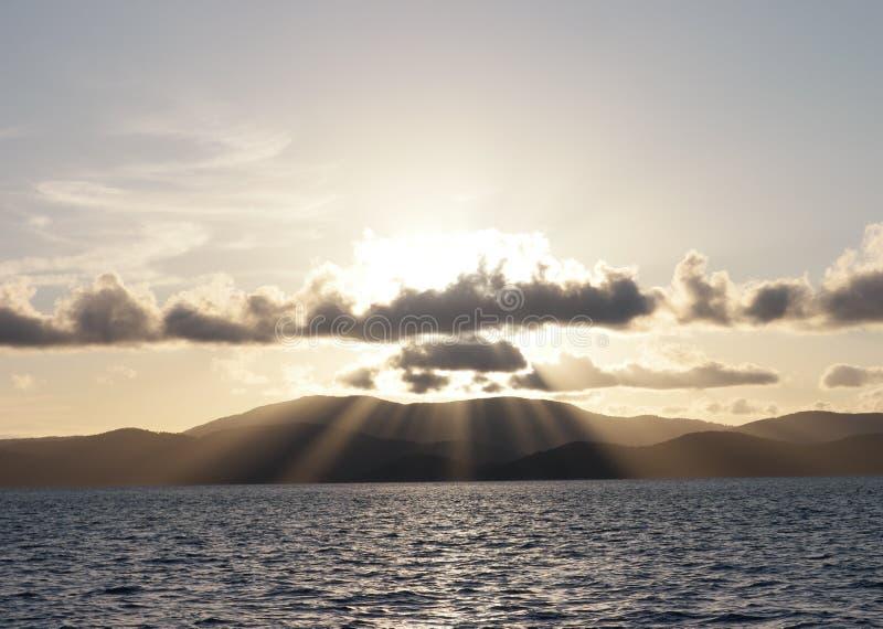 Zonsondergangstralen stock fotografie