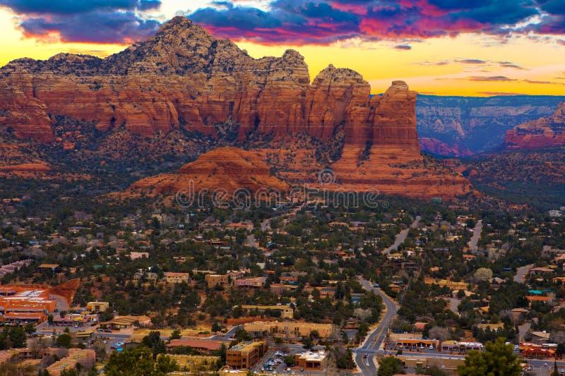 Zonsonderganguitzicht van Sedona, Arizona royalty-vrije stock afbeelding