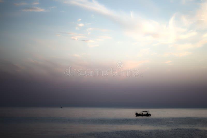 zonsondergangzeegezicht stock foto