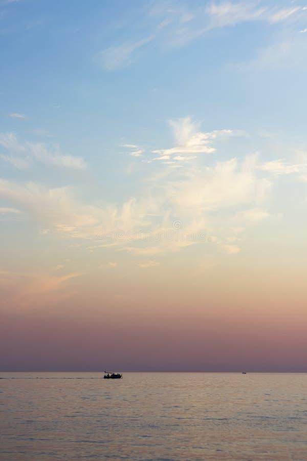 zonsondergangzeegezicht royalty-vrije stock afbeeldingen