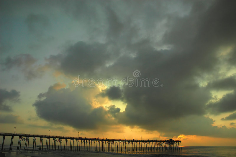 Download Zonsopgang stock foto. Afbeelding bestaande uit offshore - 294934
