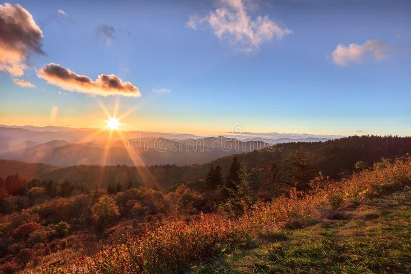 Zonsopgang Appalachian Blauw Ridge Mountains Western North Carolina royalty-vrije stock afbeeldingen