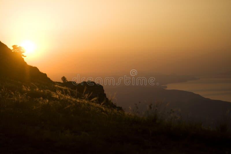 Zonsopgang in bergen 2 royalty-vrije stock afbeeldingen
