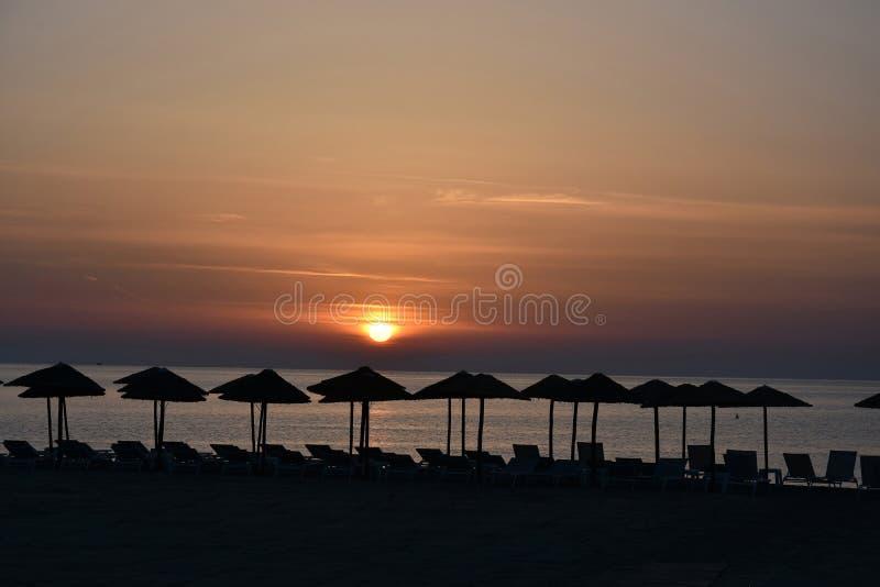 Download Zonsopgang Bij Een Strand In Katerini, Griekenland Stock Foto - Afbeelding bestaande uit vakantie, middellandse: 114227052