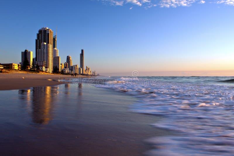 Zonsopgang bij Gouden Kust Australië stock afbeeldingen