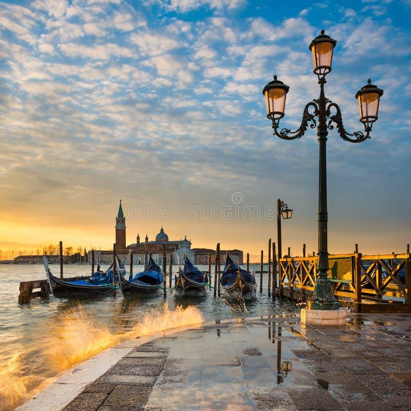 Zonsopgang bij het Grote Kanaal in Venetië, Italië stock foto's