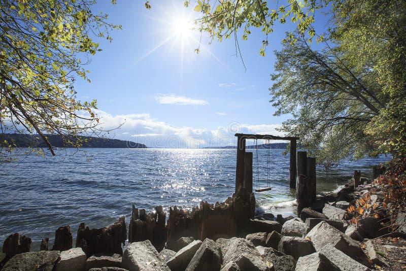 Zonsopgang bij Zonsopgangstrand Puget Sound Washington stock foto
