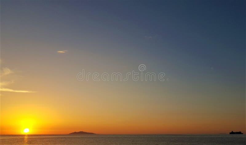 Zonsopgang in Corsica stock foto's