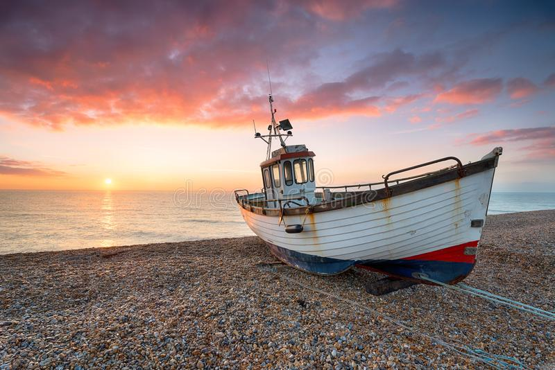Zonsopgang in Dungeness in Kent stock foto