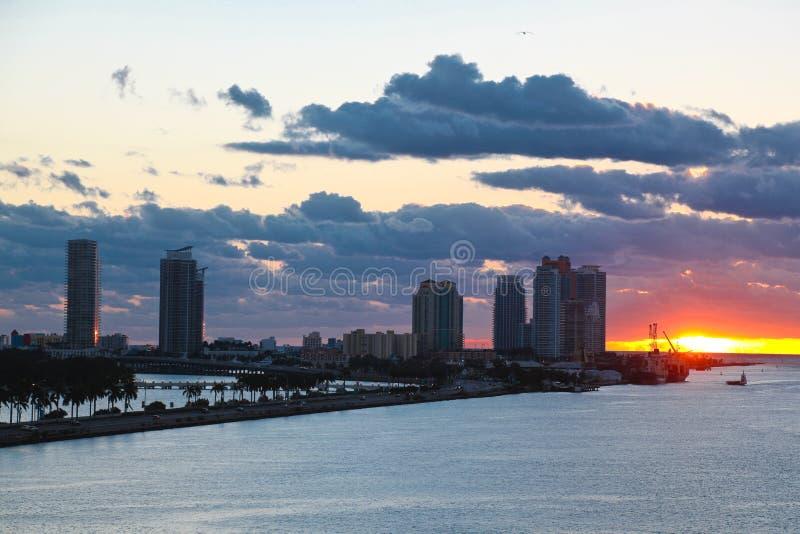 Zonsopgang in het Strand van Miami stock fotografie