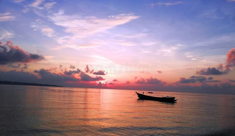 Zonsopgang in Indische Oceaan royalty-vrije stock foto