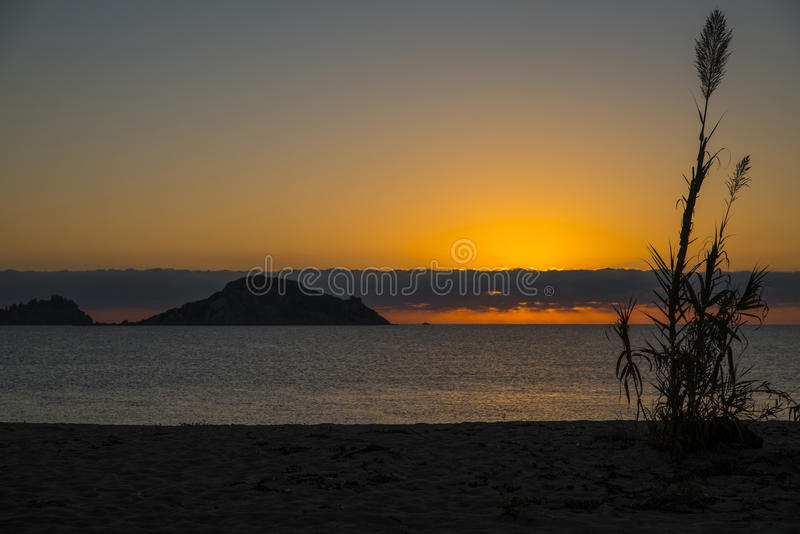 Zonsopgang Isola dell Ogliastra, Sardinige royalty-vrije stock afbeeldingen