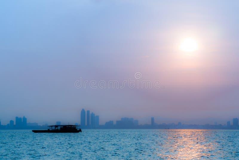 Zonsopgang in Koh Larn @Thailand stock afbeeldingen