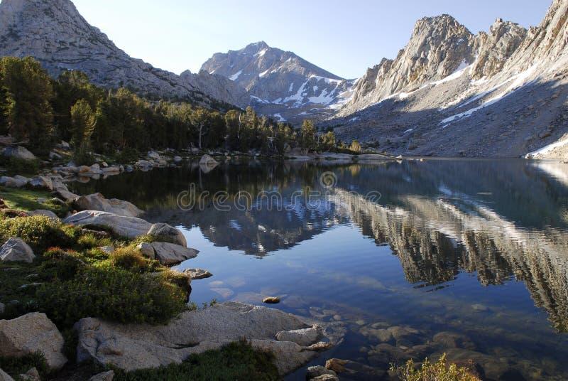 Zonsopgang in oostelijke Siërra de bergen van Nevada royalty-vrije stock foto