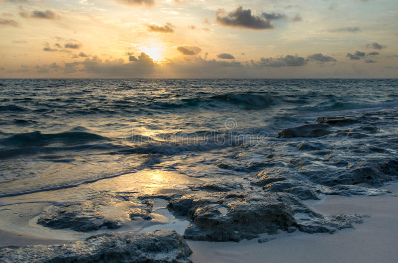 Zonsopgang op de Atlantische Oceaan stock foto