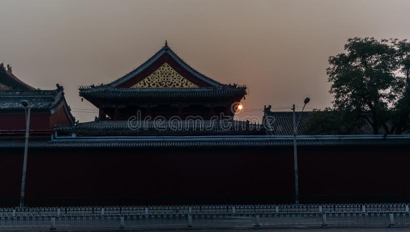 Zonsopgang op de tempel van Confucius in Peking in de Herfst - 2 royalty-vrije stock fotografie