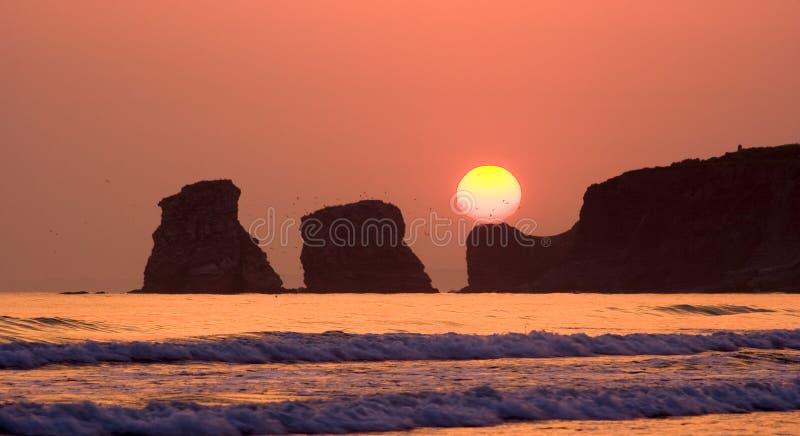 Zonsopgang op het strand van Hendaye stock afbeelding