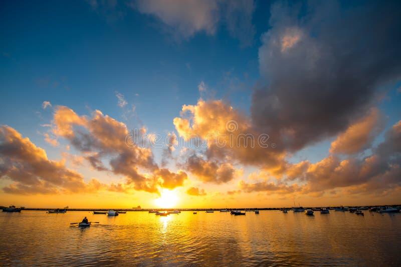 Zonsopgang op Teresitas-strand royalty-vrije stock afbeelding