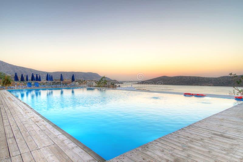 Zonsopgang Over Baai Mirabello Op Kreta Stock Afbeeldingen