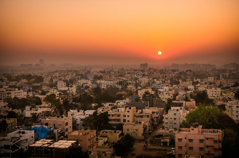 Zonsopgang over Bangalore stock afbeeldingen