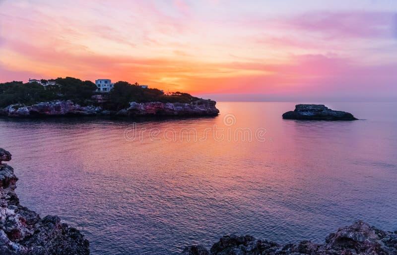 Zonsopgang over de kust van Mallorca royalty-vrije stock foto's