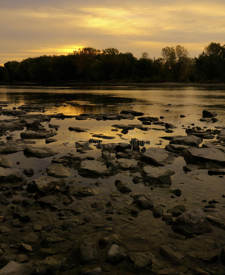 Zonsopgang over de Rivier Maumee royalty-vrije stock afbeelding