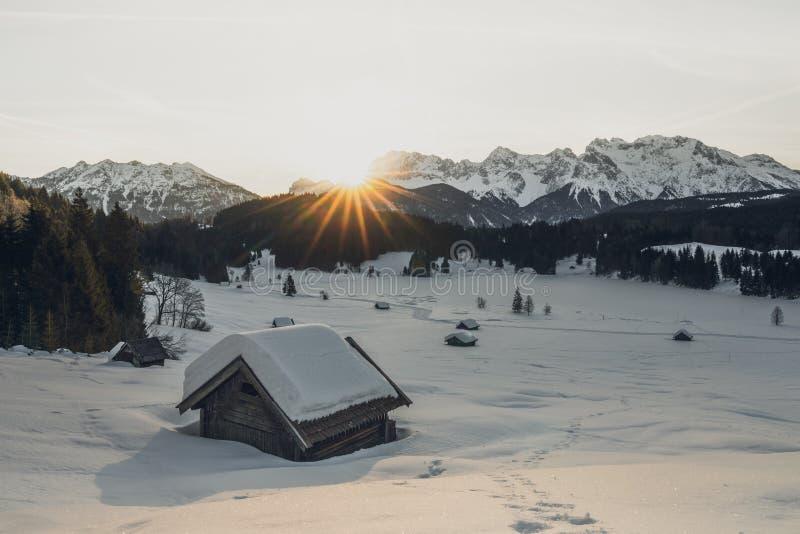 Zonsopgang over gerlodsee royalty-vrije stock fotografie
