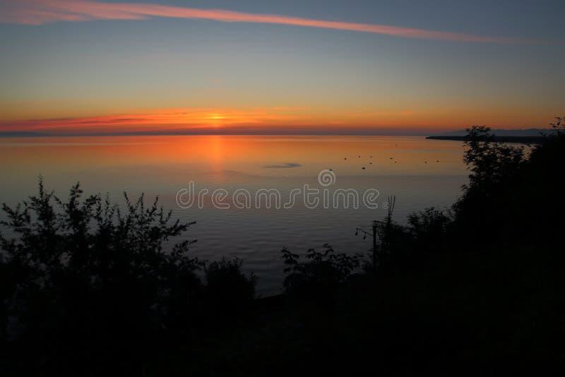 Zonsopgang over Meer Baikal stock fotografie