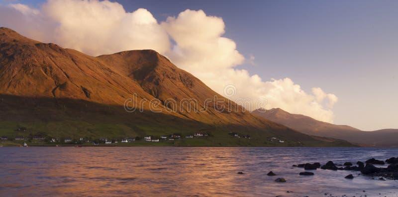 Zonsopgang over Schotse Loch stock afbeelding