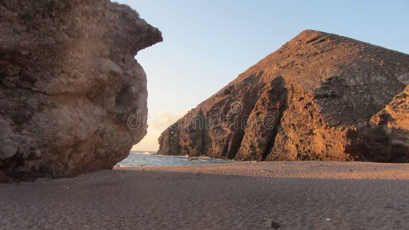 Zonsopgang in Playa DE los Muertos, Spanje stock foto's