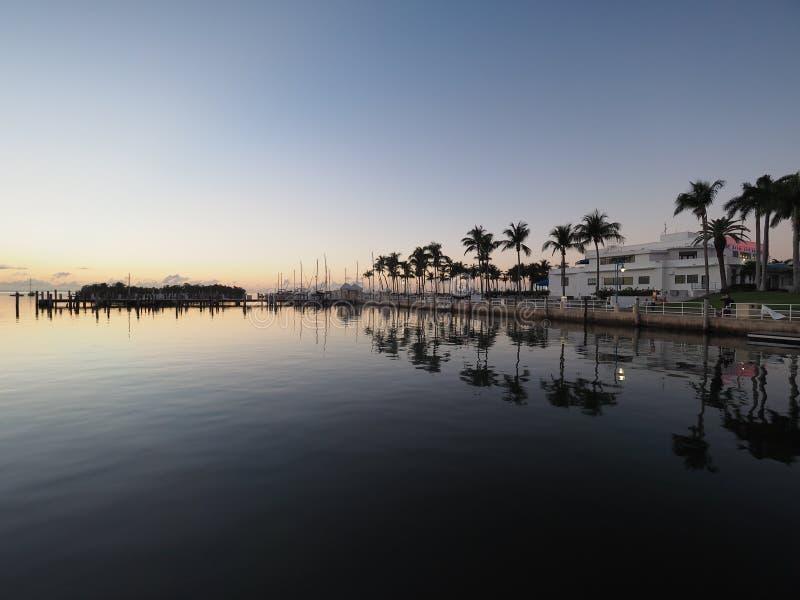 Zonsopgang tijdens het diner Zeer belangrijke Jachthaven, Miami royalty-vrije stock foto's