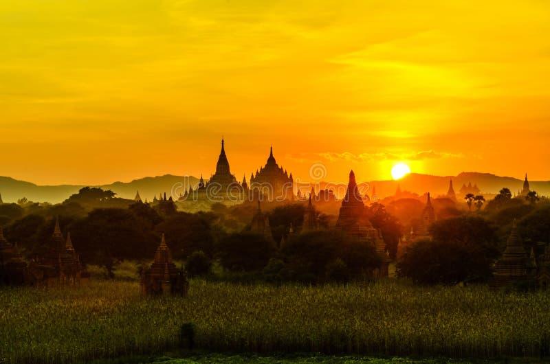 Zonsopgang van bagan pagode royalty-vrije stock foto