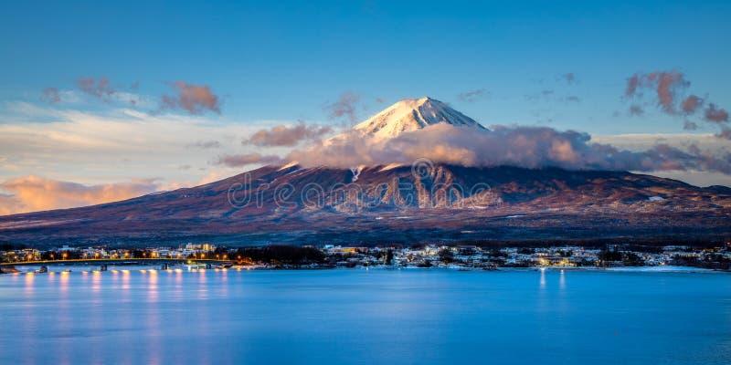 Zonsopgang van Onderstel Fuji stock foto's