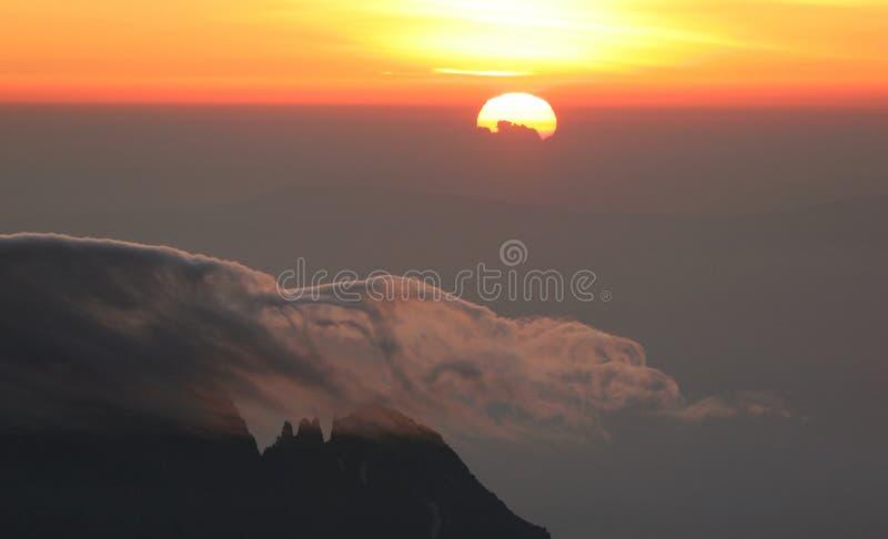 Zonsopgang vanaf bovenkant van Kilimanjaro royalty-vrije stock fotografie